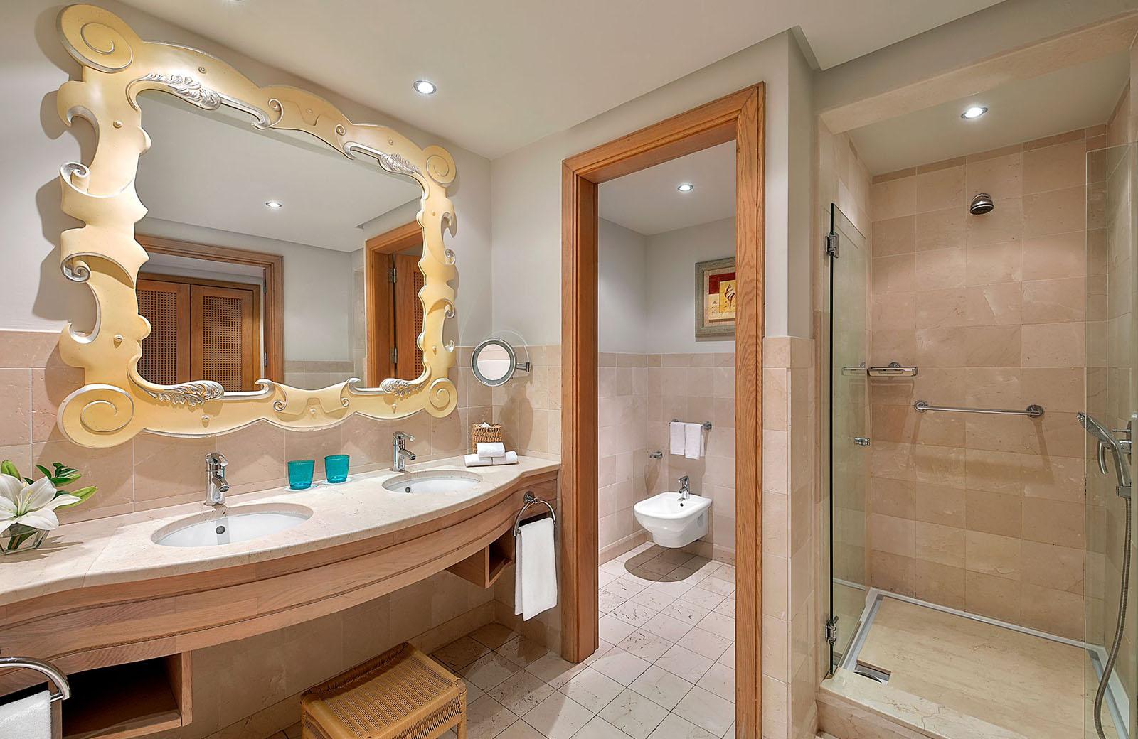 the-ritz-carlton-abama-bachcare-deluxe-room-bathroom